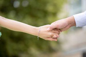 לזוגיות מצוינת, כדאי לכתוב מכתב אהבה לבת זוג