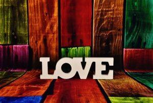 רק אהבה מביאה אהבה